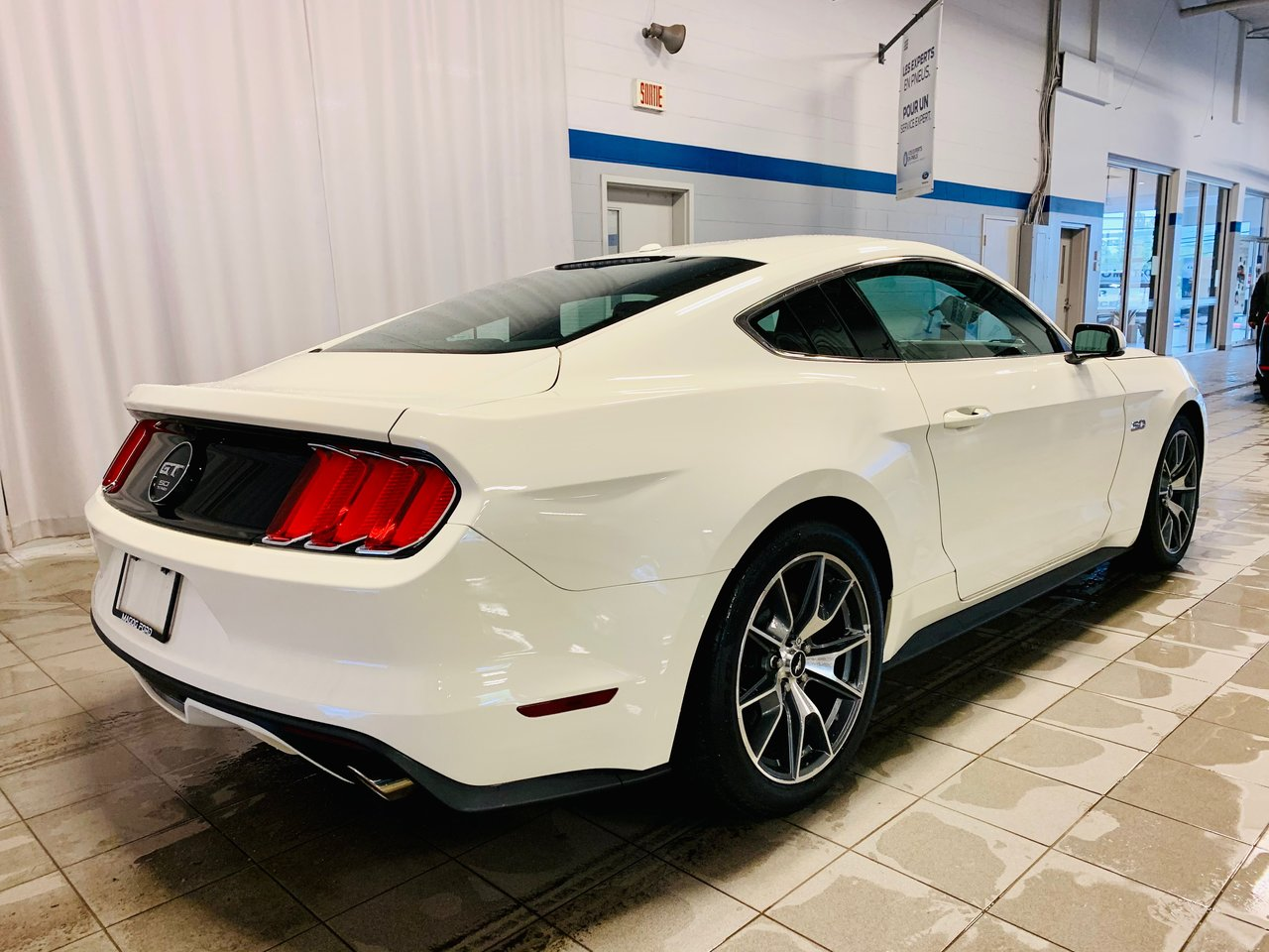 2015 Ford Mustang 2dr Fastback GT 50 Years Limited Edition / 0 ACCID
