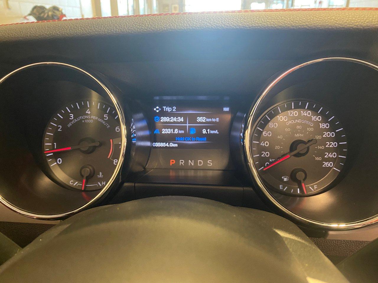 2017 Ford Mustang GT Premium Convertible intérieur rouge
