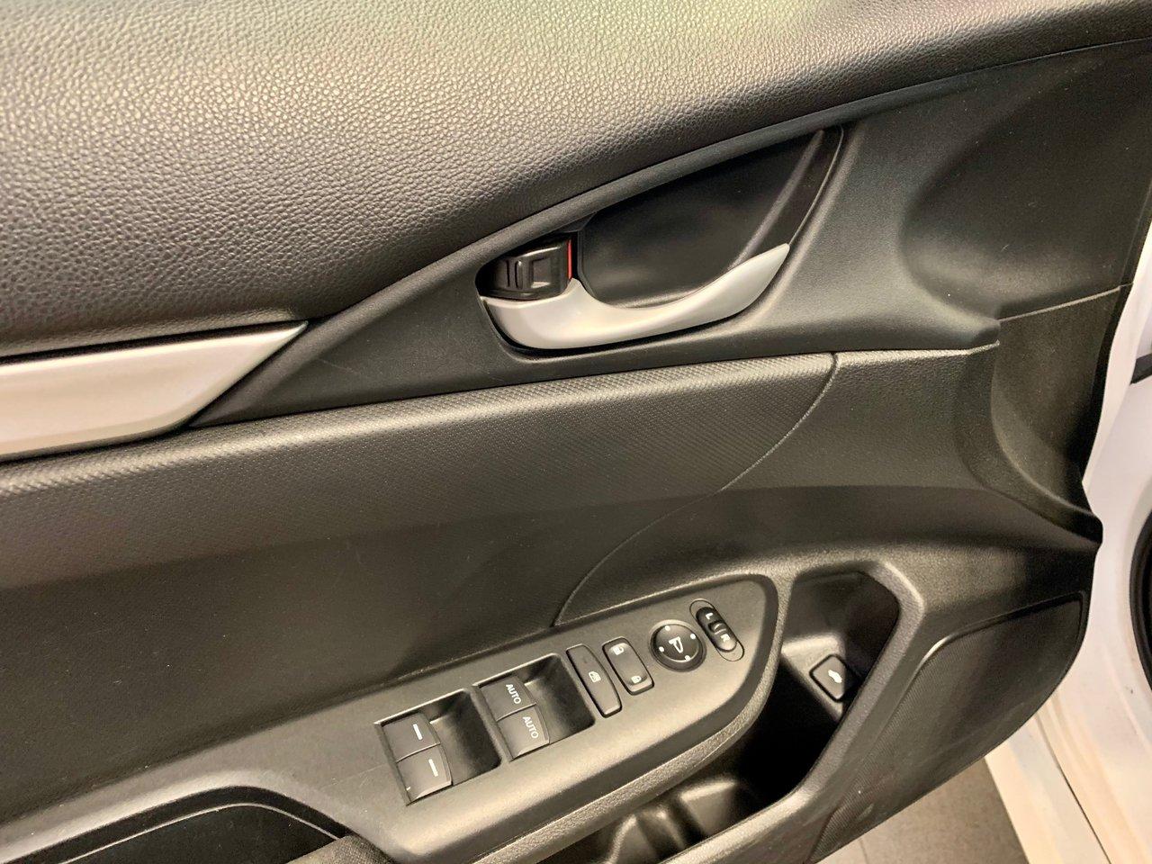 2017 Honda Civic Sedan LX / SIÈGES CHAUFFANTS + JAMAIS ACCIDENTÉE