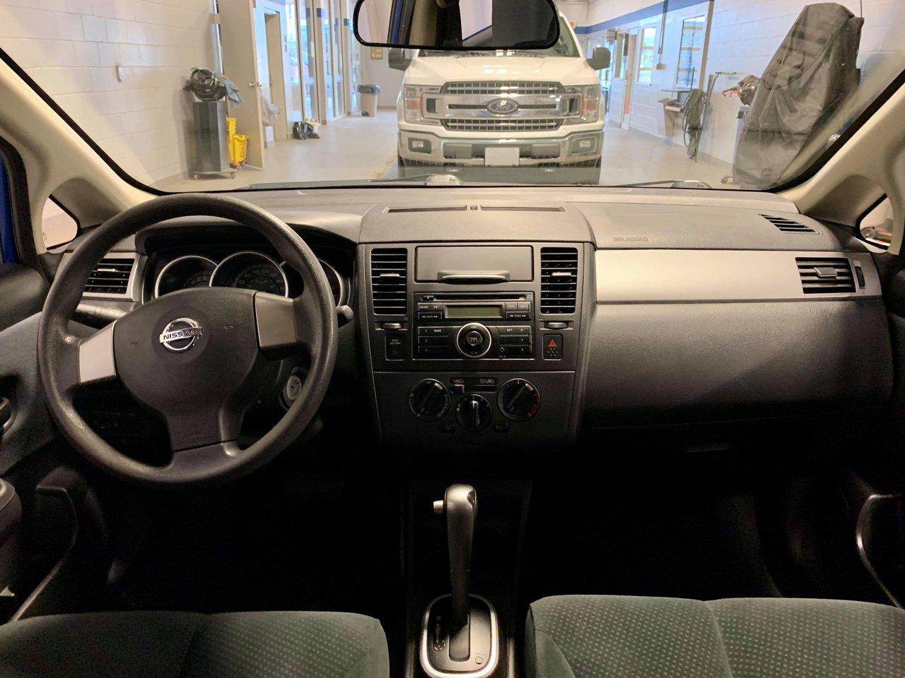 2010 Nissan Versa 5dr HB I4 Auto 1.8 S JAMAIS ACCIDENTEE