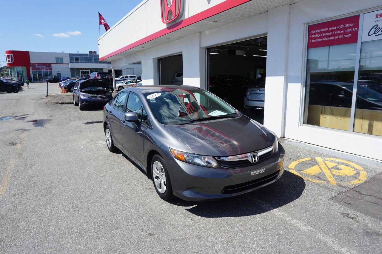 2012 Honda  Civic LX, air climatisé.
