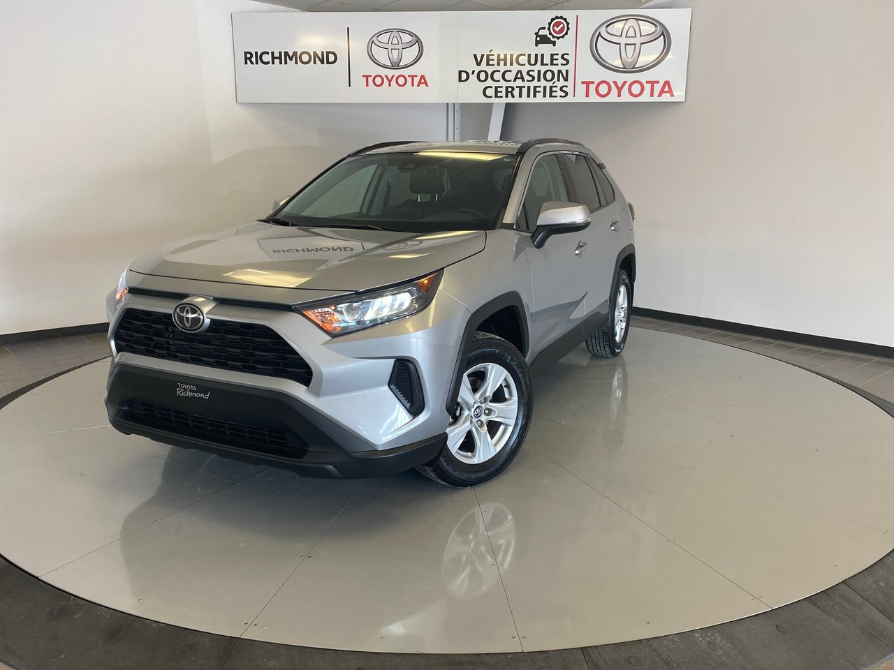 Toyota RAV4 2019 LE AWD Gr:A *CAMÉRA + SIEGES CHAUFFANT*