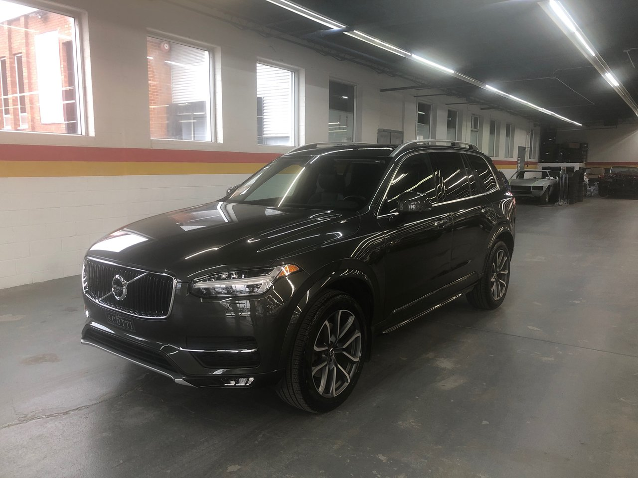 2018 Volvo  XC90 Momentum CLIMATE / VISION / CONVENIENCE PACK/