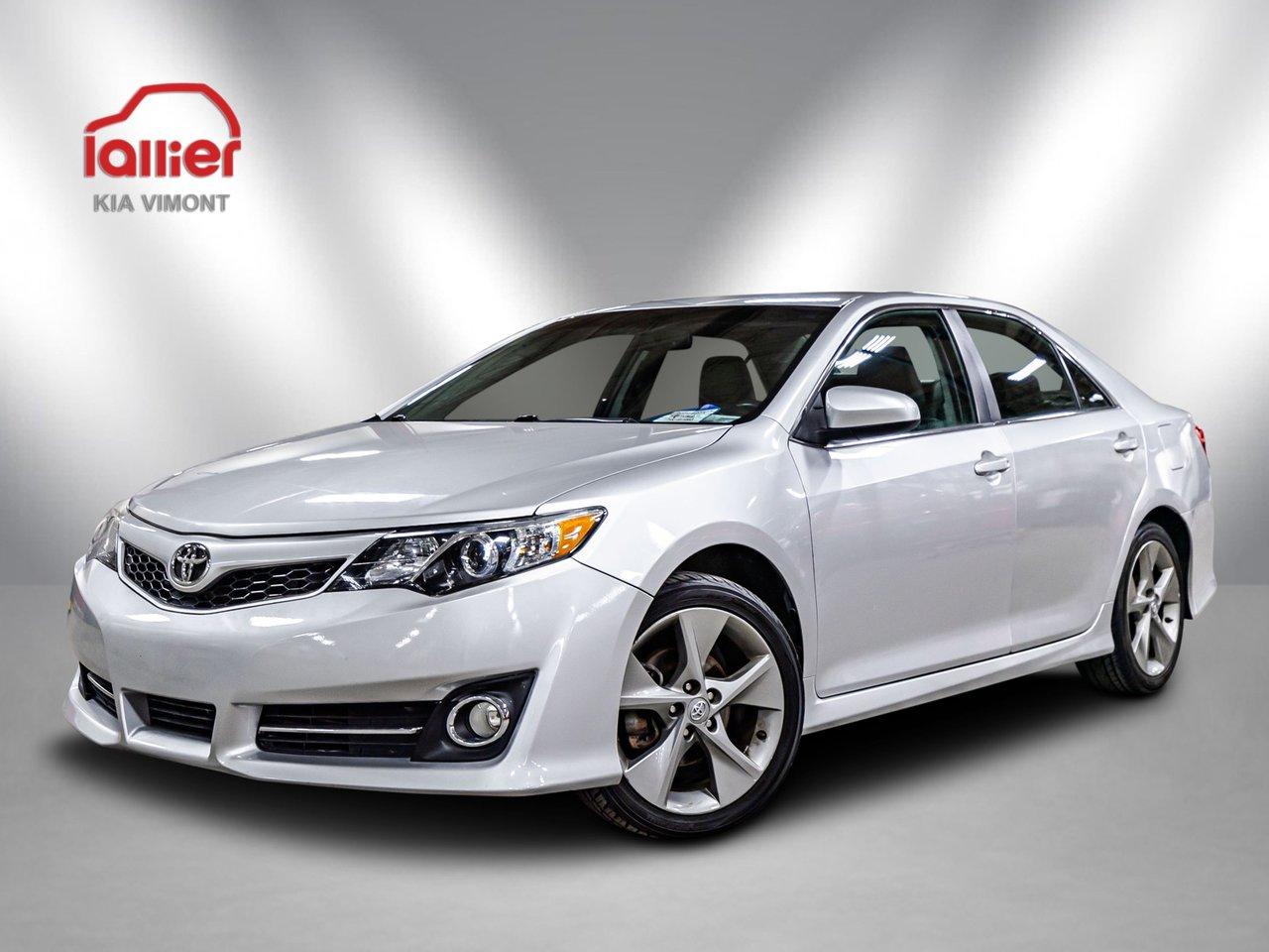 Toyota Camry 2012 SE ** SEULEMENT 135 000KM ** TOUT ÉQUIPÉ**