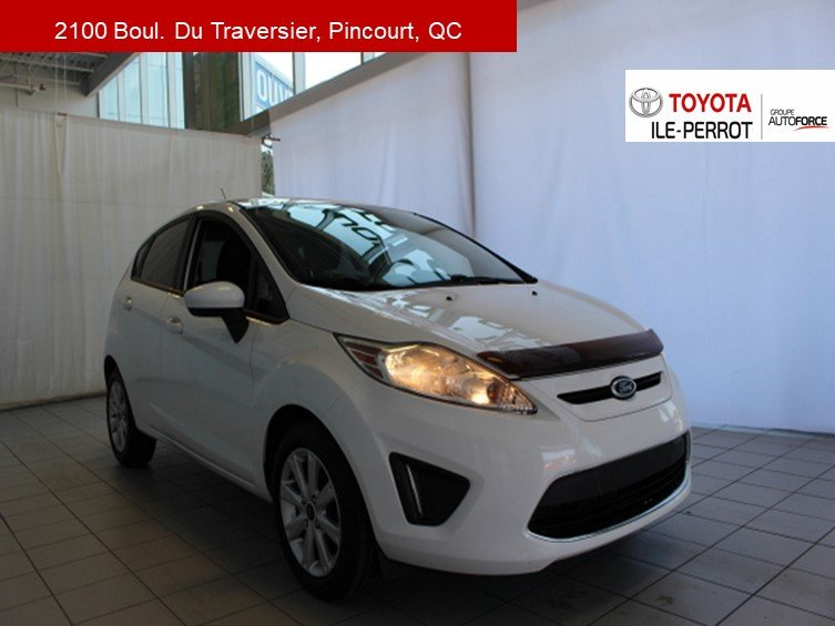 2012 Ford  Fiesta SE, 5MT, A/C, TOIT OUVR, CRUISE, BLUETOOTH