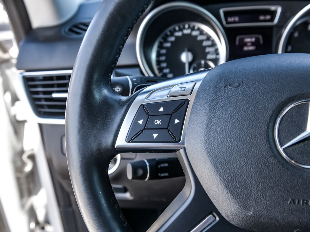 Pre-Owned 2014 Mercedes-Benz ML-CLASS ML350