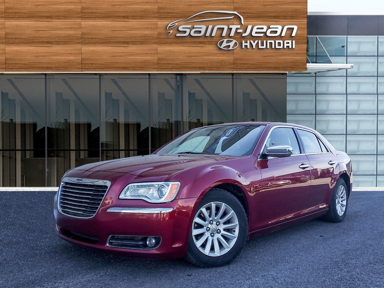 2012 Chrysler  300 Limited / MAGS / A/C / CUIR