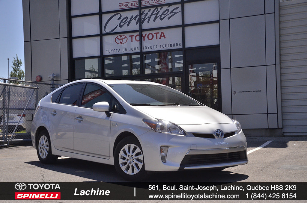 toyota prius 2013 d 39 occasion vendre chez spinelli toyota lachine. Black Bedroom Furniture Sets. Home Design Ideas