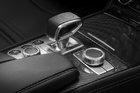 Mercedes-Benz dévoile une version améliorée de la SL - 2