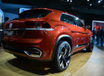 Volkswagen unveils Atlas Cross Sport concept at New York Auto Show