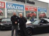 Félicitations M. Larivée pour votre nouvelle achat de Mazda MX5, Chambly Mazda