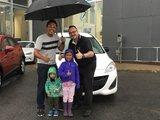 Félicitations Mme Lai pour votre nouvelle Mazda 5, Chambly Mazda