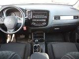 Mitsubishi Outlander ES **Bluetooth**A/C** 2015