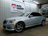 Mercedes-Benz E-Class E 550 / 4 Motion  V8 5.5L ( 383 HP ) Toit / Navy 2011 Bas Kilo / Garantie 1 An ou 15 000 km GMP / Inclus !!!