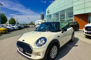 2016 MINI Cooper Hardtop Well Equipped with lots of features !