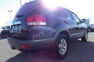 Kia Borrego LX V6 4X4 7 PASSAGERS 2011
