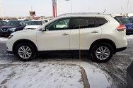 2015 Nissan Rogue SV*TOIT OUVRANT PANORAMIQUE ET ÉLECTRIQUE*