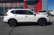 Nissan Rogue SL*AWD*HAYON ÉLECTRIQUE*TOIT OUVRANT PANORAMIQUE* 2017