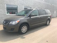 2010 Volkswagen Routan HIGHLINE | LEATHER | DVD PLAYER |