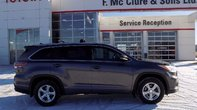 2015 Toyota Highlander XLE AWD Winter tires included