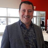 Junior Veillette - Directeur des ventes