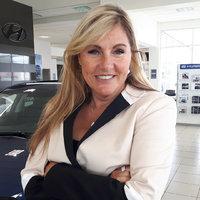 Élaine Arsenault - Directrice financière