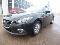 Mazda 3 Sport GS-SKY toit ouvrant, 68$ / sem.  2014