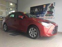 Toyota Yaris BASE  2016