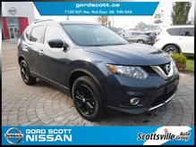 2016 Nissan Rogue SV AWD, Heated Cloth, Moonroof + Tech Package
