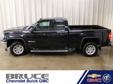 2017 GMC Sierra 1500 SLE - SAVE OVER $3700!! ACCESSORIES INCLUDED!!