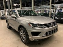 2016 Volkswagen Touareg HIGHLINE + OPTIONS (CLEAN, MUST SEE!)