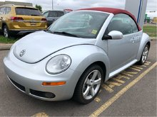 2009 Volkswagen Beetle Convertible Silver-Red Ed. 6sp at Tip