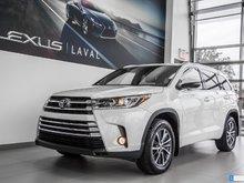 2017 Toyota Highlander XLE / AWD / Toit Ouvrant / Navigation