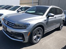 2019 Volkswagen Tiguan Highline 4Motion w/ R-Line & Drivers Assistance