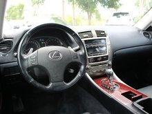 2007 Lexus IS 250 AWD Toit Ouvrant et Sieges Chauffants!