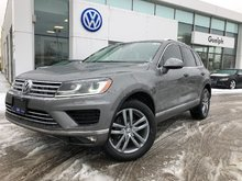 2015 Volkswagen Touareg Highline with Tech Pkg.