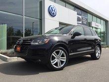 2012 Volkswagen Touareg **DIESEL** Execline W/Navigation