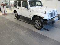 2017 Jeep WRANGLER UNLIMITED SAHARA Sahara
