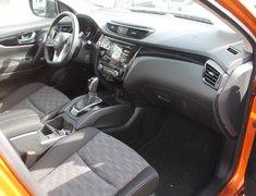 2018 Nissan Qashqai SV FWD CVT AUTO ULTRA LOW KMS!