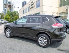 2014 Nissan Rogue SV FAMILY TECH PACKAGE!
