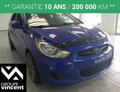 Hyundai Accent L **PNEUS COMME NEUF** 2013