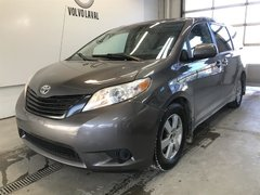 Toyota Sienna LE 7-Pass 6A 2011