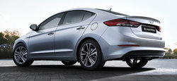 Toyota Corolla 2016 vs Hyundai Elantra 2017