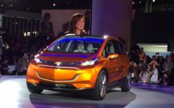General Motors dévoile la Bolt à Détroit