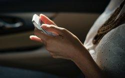Cinq idées pour le téléphone en voiture