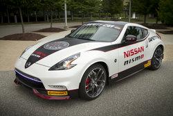 Une Nissan 370z Nismo 2015 comme voiture de sécurité
