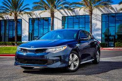 La nouvelle Kia Optima hybride également offerte en version branchable