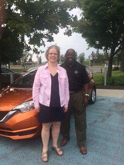 Félicitations Madame Ann Cowan pour la location de votre nouvelle Nissan Versa SV 2017.