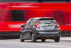 Nissan Versa Note 2017 vs Honda Fit 2017 à Lévis