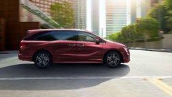 Chrysler Pacifica 2019 vs Honda Odyssey 2019 à Québec